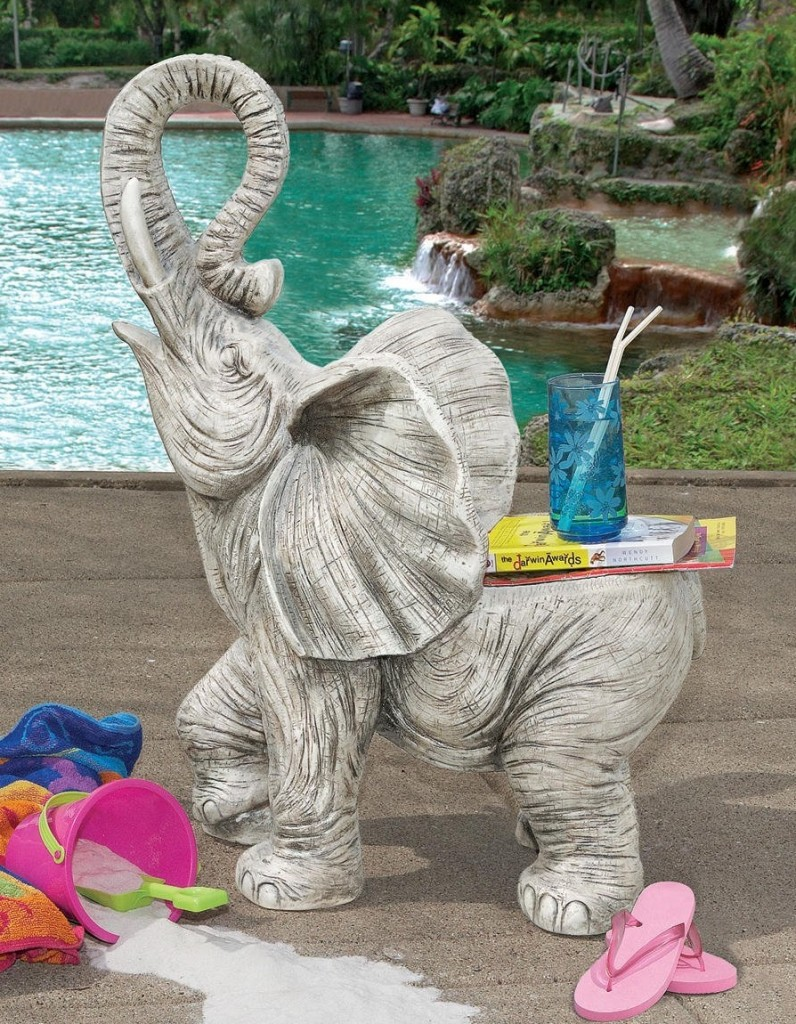 10 gorgeous elephant sculptures for the home and garden for Garden elephant pool